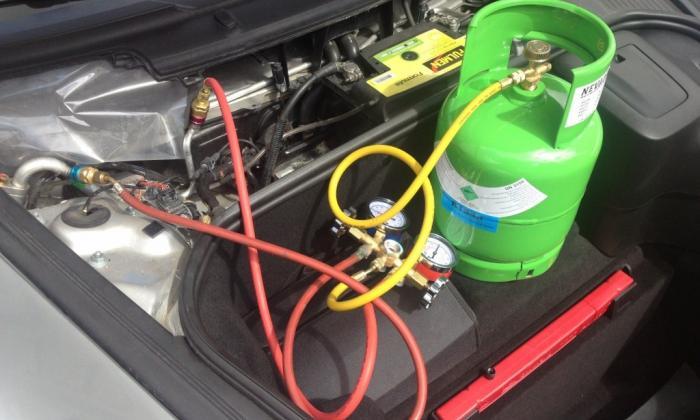Gaz pour circuit de climatisation R134 et 1234yf